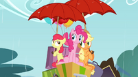 Apple Bloom and Applejack with umbrellas S4E09