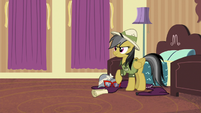 Daring Do hears a knock at the door S6E13