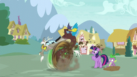 Discord about to teleport while moving his legs very fast S5E22