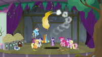 Mane Six and Starlight watch balloon deflate S8E7