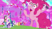Pinkie Pie -everything is made of icing!- S9E25