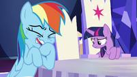 Rainbow Dash cracking up at Twilight S6E15