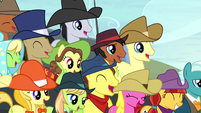 Spectator ponies laughing S5E6