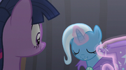 Trixie bowing to Twilight S6E6