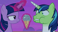 Twilight offers ice cream; Shining Armor gets airsick S7E22
