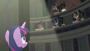 Chancellor Neighsay addressing Twilight Sparkle S8E1
