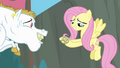 Fluttershy catches the horseshoe S4E10.png