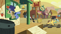 Noteworthy and Dr. Hooves shuts window S01E21.png