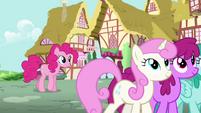 Pinkie listening to Rainbow talking S4E12