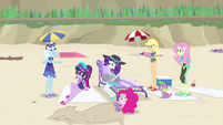 Trixie talking with the Equestria Girls EGFF