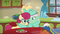Zephyr Breeze hugging his parents tightly S6E11.png