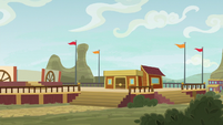 Appleloosa theater is partially built S9E6