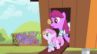 Berryshine and her sister S02E05