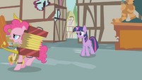 Polka Pinkie passes by Twilight S1E10