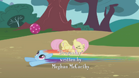 Rainbow Dash speeds under the ball S1E07