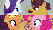 Rarity y Pinkie cantando en diferentes pantallas T6E12