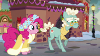 Spirit of HW Presents meets an elderly pony S6E8