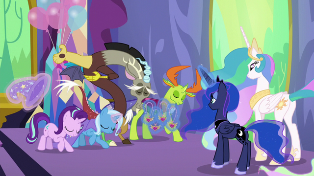 File:Starlight and friends bowing to Celestia and Luna S7E1.png
