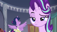 Starlight raising an eyebrow at Twilight S7E10
