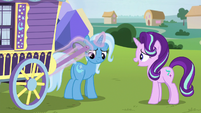 Trixie unhooks herself from her wagon S8E19