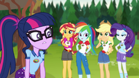 Twilight looking annoyed at her friends EG4