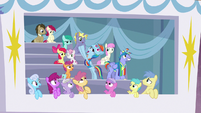 Windy Whistles' cheering attracts ponies' eyes S7E7