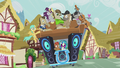 DJ Pon-3's DJ station has more passengers S5E9.png