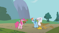 Gilda sees Pinkie Pie S1E05.png