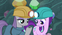 Maud Pie showing Boulder to Starlight S7E4