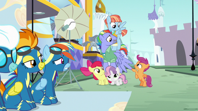 File:Rainbow's parents and CMCs making a pyramid S7E7.png