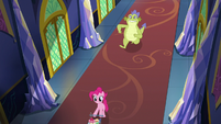 Sludge chases Pinkie through the castle S8E24