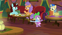 Spike serving food to customers S9E5