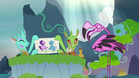 Thorax turns into flamingo; changelings draw Starlight and Trixie S7E17