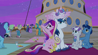 Twilight's family finishes watching the Northern Stars S7E22
