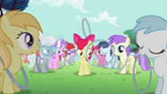 201px-S2E06 Hoop bouncing past Apple Bloom
