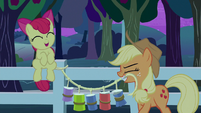 Applejack puts up one more tin can trap S9E10