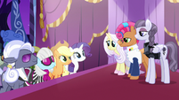 Contestant ponies waiting for the judges' votes S7E9