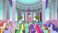 Cozy Glow addressing the students S8E25
