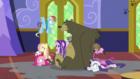Ponies and animals drenched in water S6E21