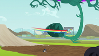 Rainbow distracts a monster vine EG3