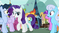 Rarity walking through the crowd of ponies S7E19.png