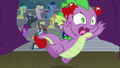 Spike runs away from crowd's tomatoes S8E7.png