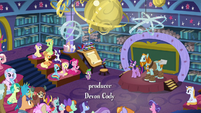 Twilight introducing Professor Rockhoof S8E21