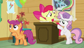 """Apple Bloom """"who's gonna run the Manehattan CMCs?"""" S5E04.png"""