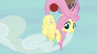 Fluttershy intercepts Applejack's shot again S6E18