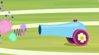Party cannon fires confetti and streamers S9E15