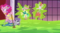 Pinkie Pie sails the sea of slime S5E7