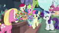 Rarity chooses flowers for Sweetie Drops S7E19.png