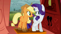 Rarity points out Applejack's muddy hooves S1E08