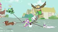 S03E11 Spike nie potrafi utrzymać zwierząt